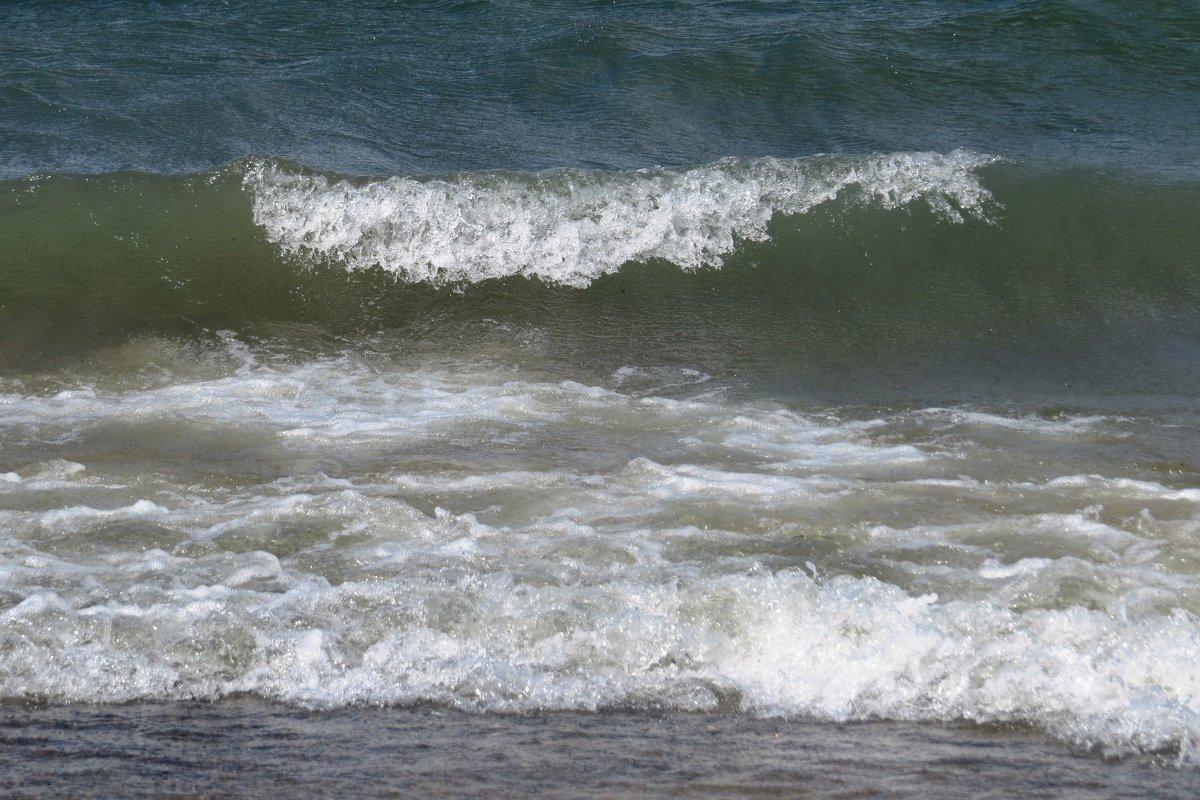 Волны на озере - Вера Щукина