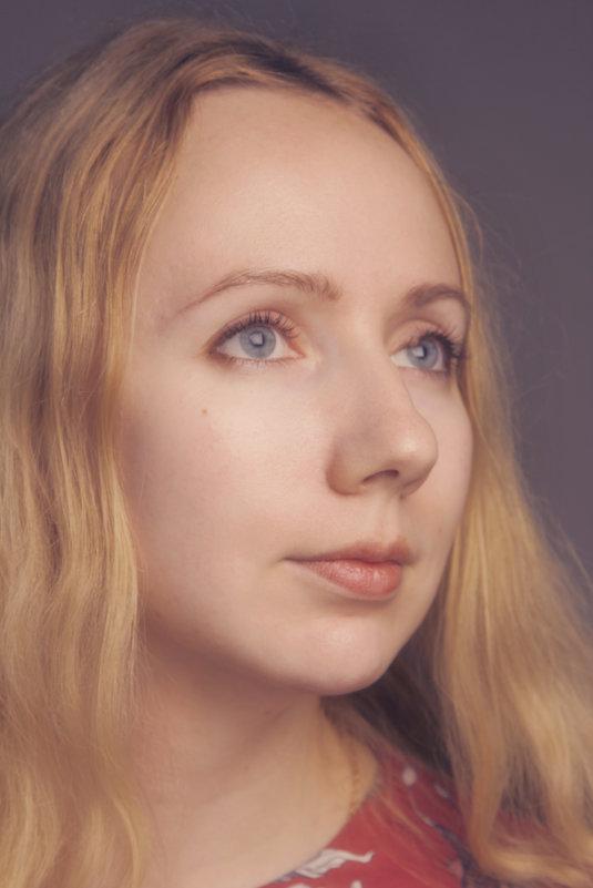 Портрет Стеши в цвете - Tanya Datskaya