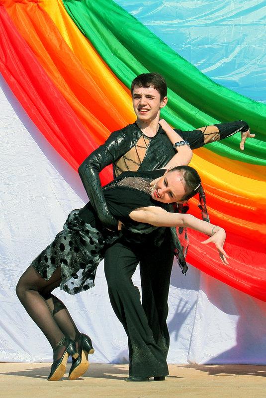 Танцут все - Виктор Колмогоров