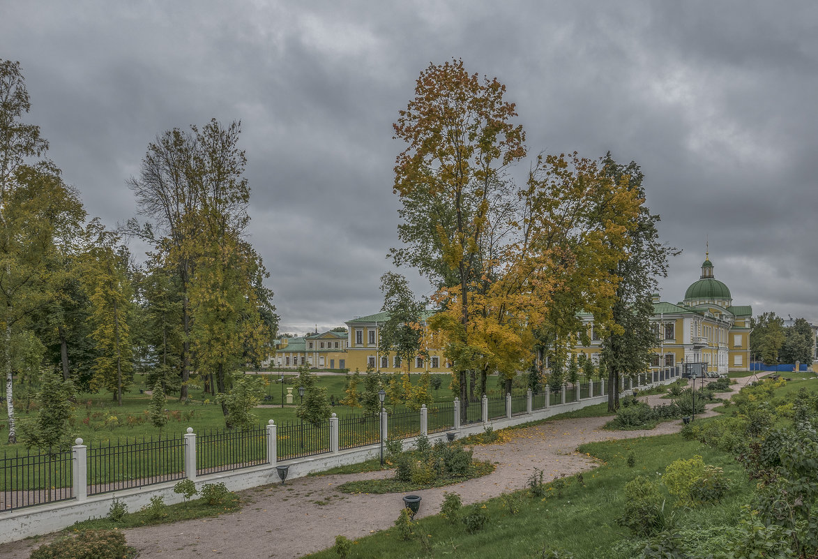 Дворцовый сад и путевой дворец в Твери. - Михаил (Skipper A.M.)