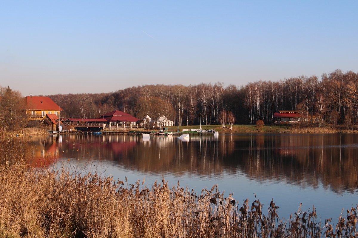 Озеро в ноябре - Лара (АГАТА)