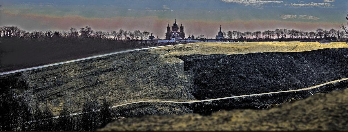 Свенский монастырь на фоне палёной травы - Дубовцев Евгений