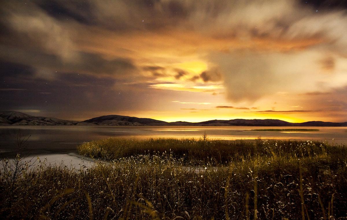 ночное озеро - Вячеслав Ложкин