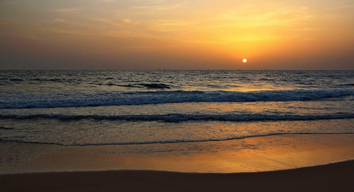 Море — это другая вселенная в ней правит тишина и покой... - Вадим Якушев