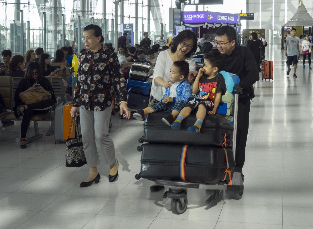 2017. Таиланд. Бангкок. Аэропорт (1) - Владимир Шибинский