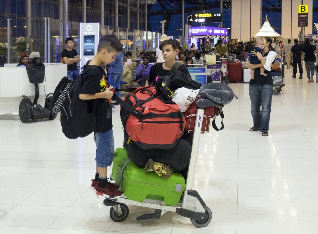 2017. Таиланд. Бангкок. Аэропорт (4) - Владимир Шибинский