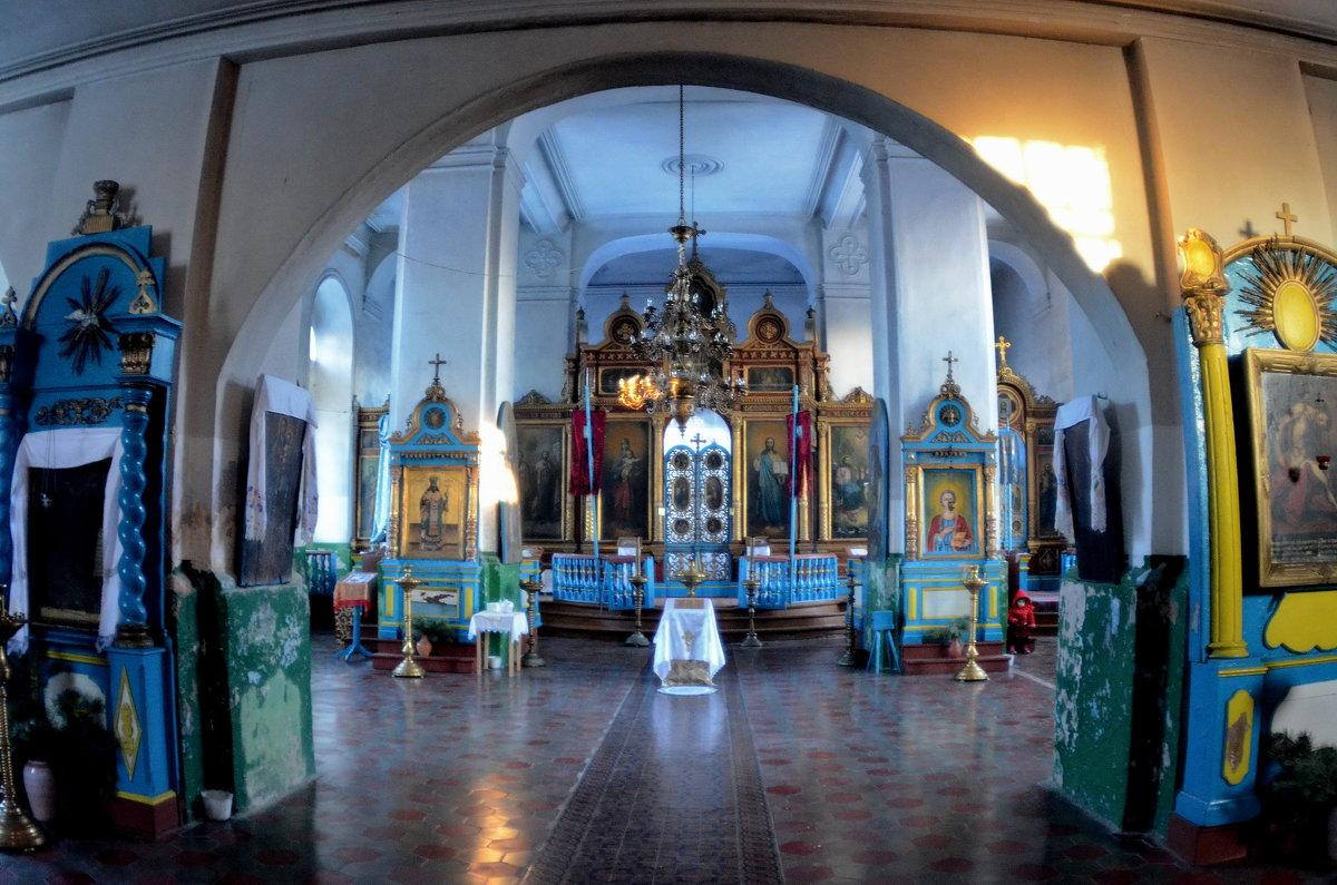 Алтарь церкви Троицы Живоначальной. - Aleksandr Ivanov67 Иванов