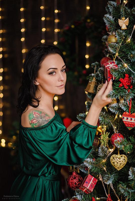 Девушка в зеленом платье - Елена Федорова