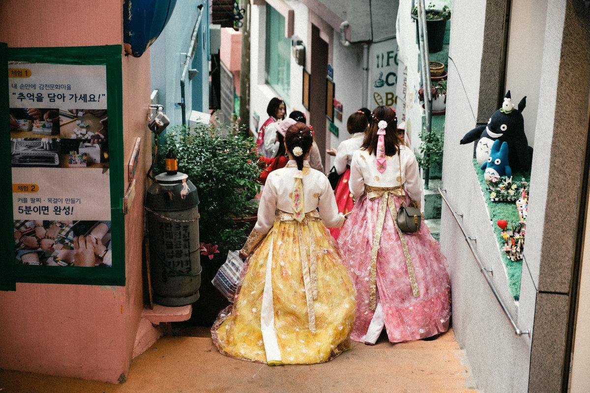 Девочки в национальных платьях Ханбок - Станислав Маун