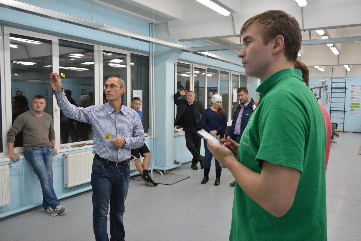 Соревнования по дартс - Сергей Антипин