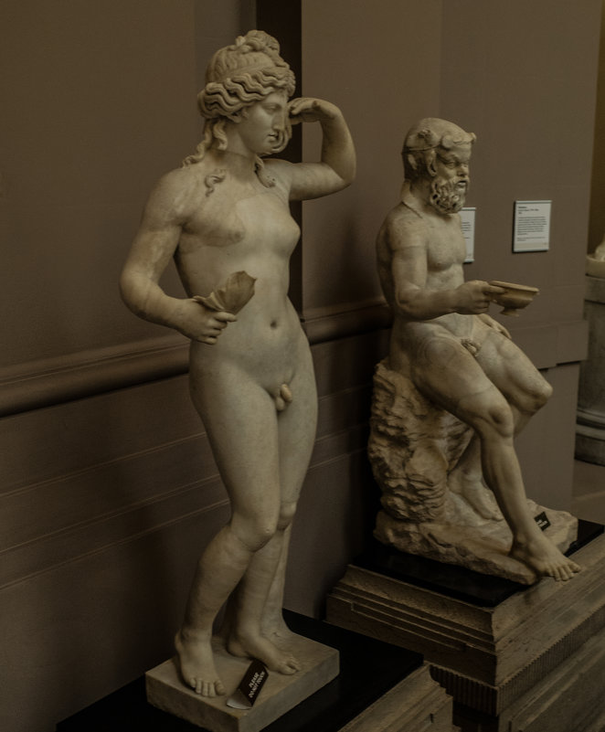 В музее (№03) - Андрей ТOMА©