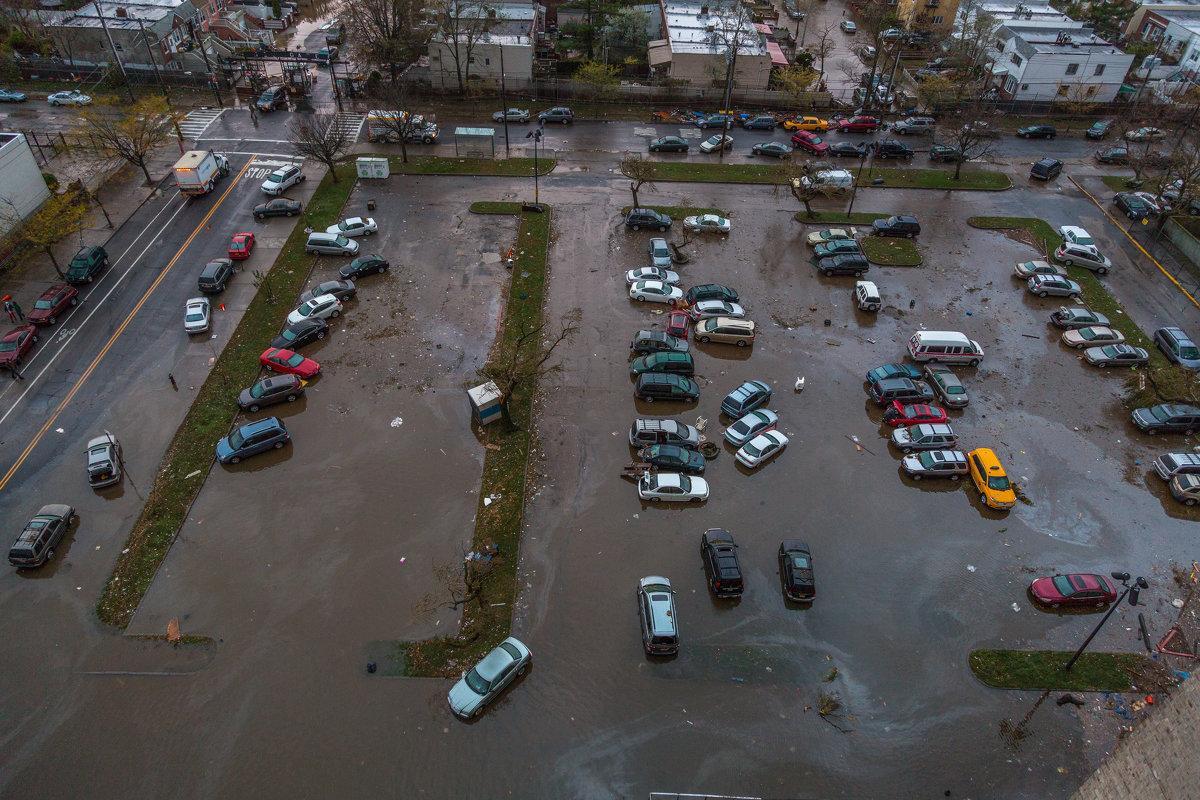 мой паркинг утром после урагана Сэнди - Naum