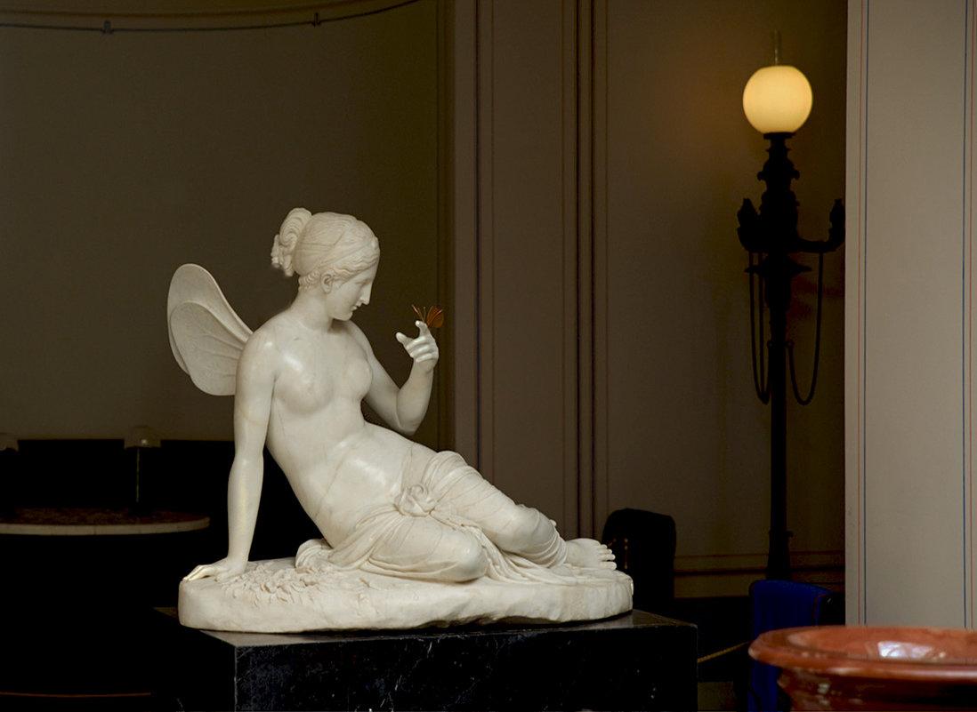 Психея с бабочкой - Валентина Харламова