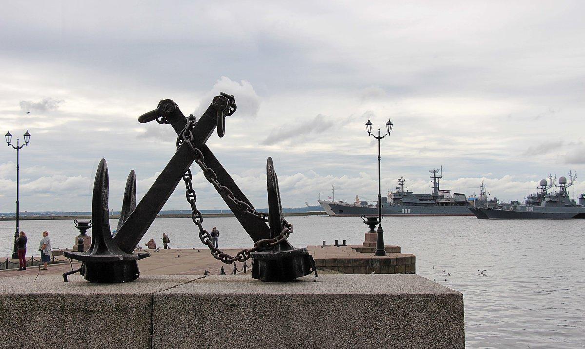 Славный город Кронштад - корабли, якоря - Nina Karyuk
