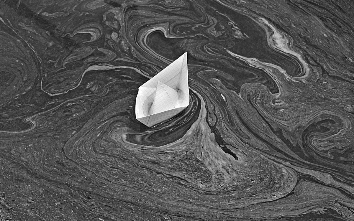 В водовороте пыльцы кипарисов - Константин Виниченко