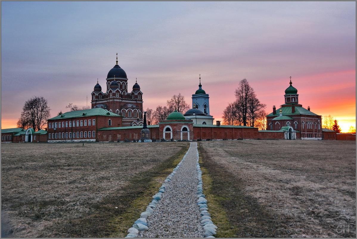 Семёновское. Монастырь на закате - Сергей Никитин