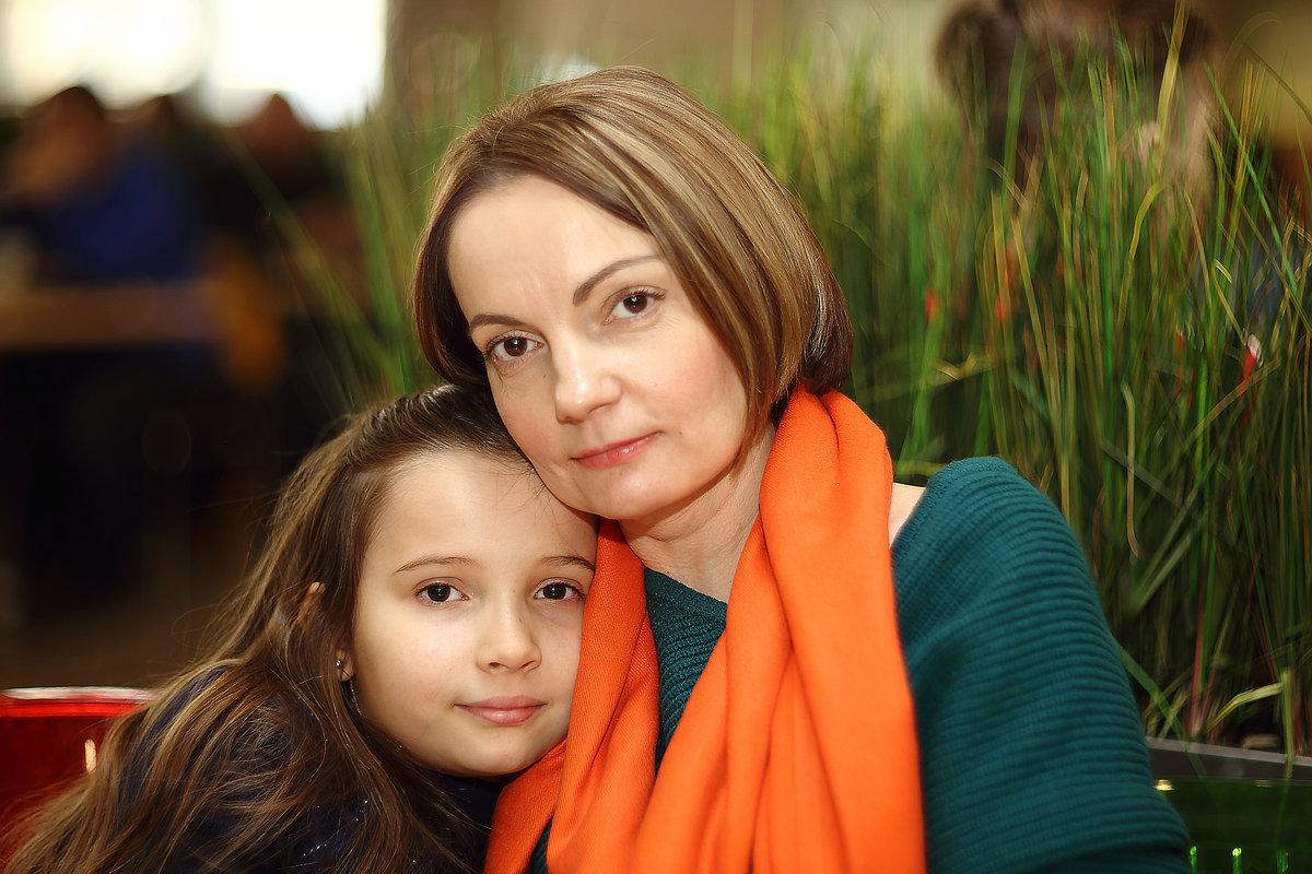 Мама и дочка - Николай Холопов