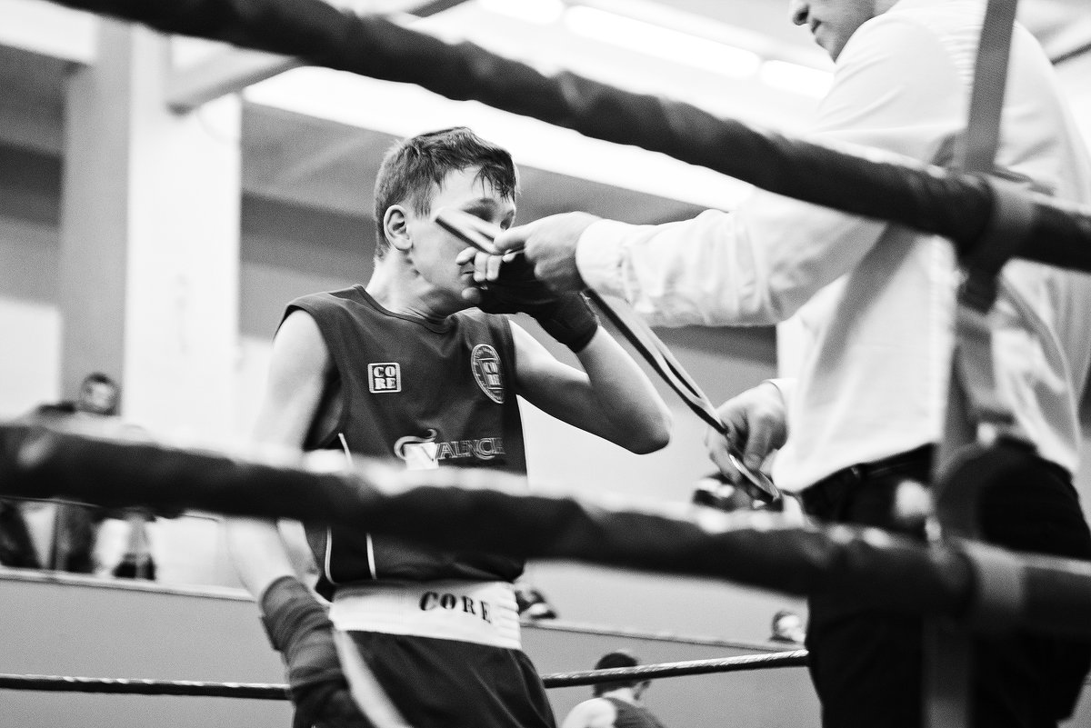 Боль и радость — эмоции юного боксера в объективе - Татьяна Долгачева
