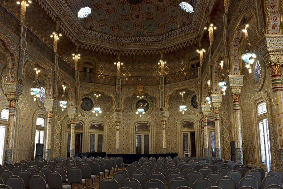 Арабский зал дворца биржи - Ольга