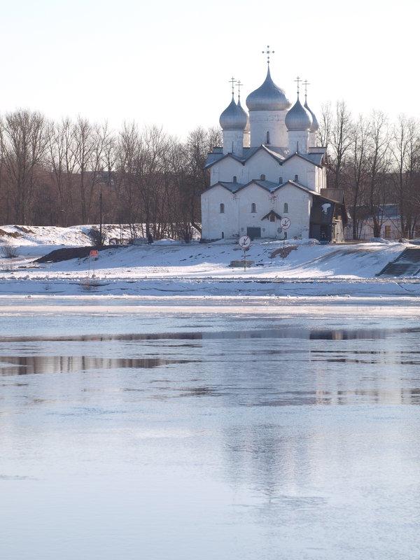 Весна в Великом Новгороде - Михаил Юрьевич