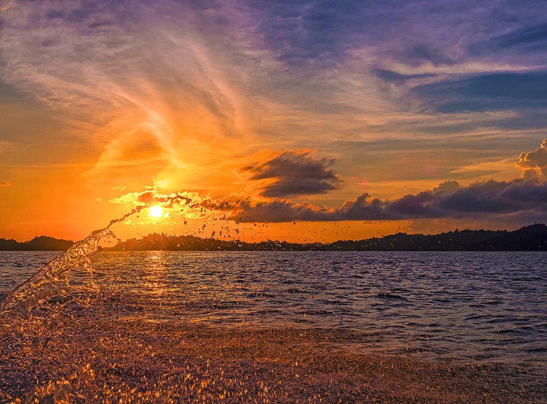 Закат в Папуа - Александр