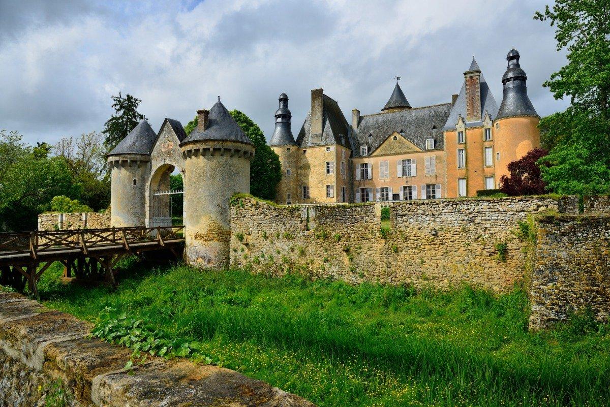 замок Семюр-ан-Валлон (chateau de Semur-en-Vallon) - Георгий