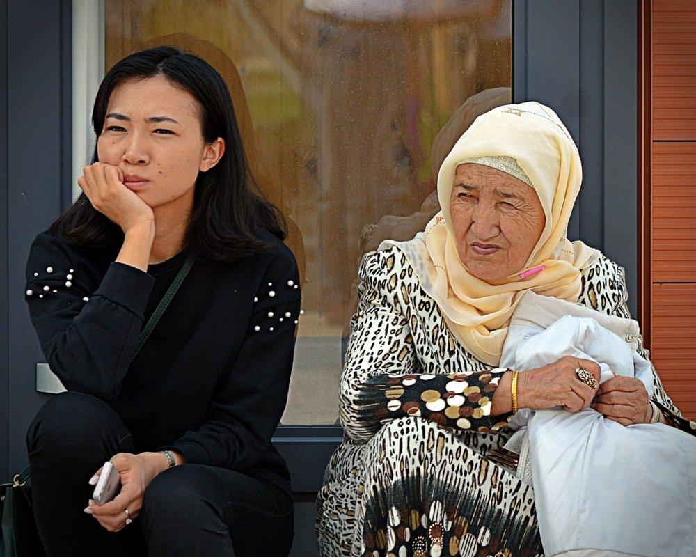 Бабушка и внучка - Асылбек Айманов