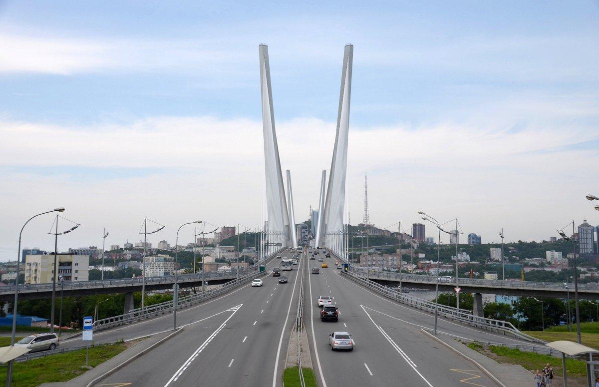 Мостов много не бывает - Юрий