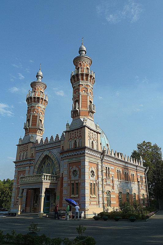 Суннитская мечеть во Владикавказе. - константин