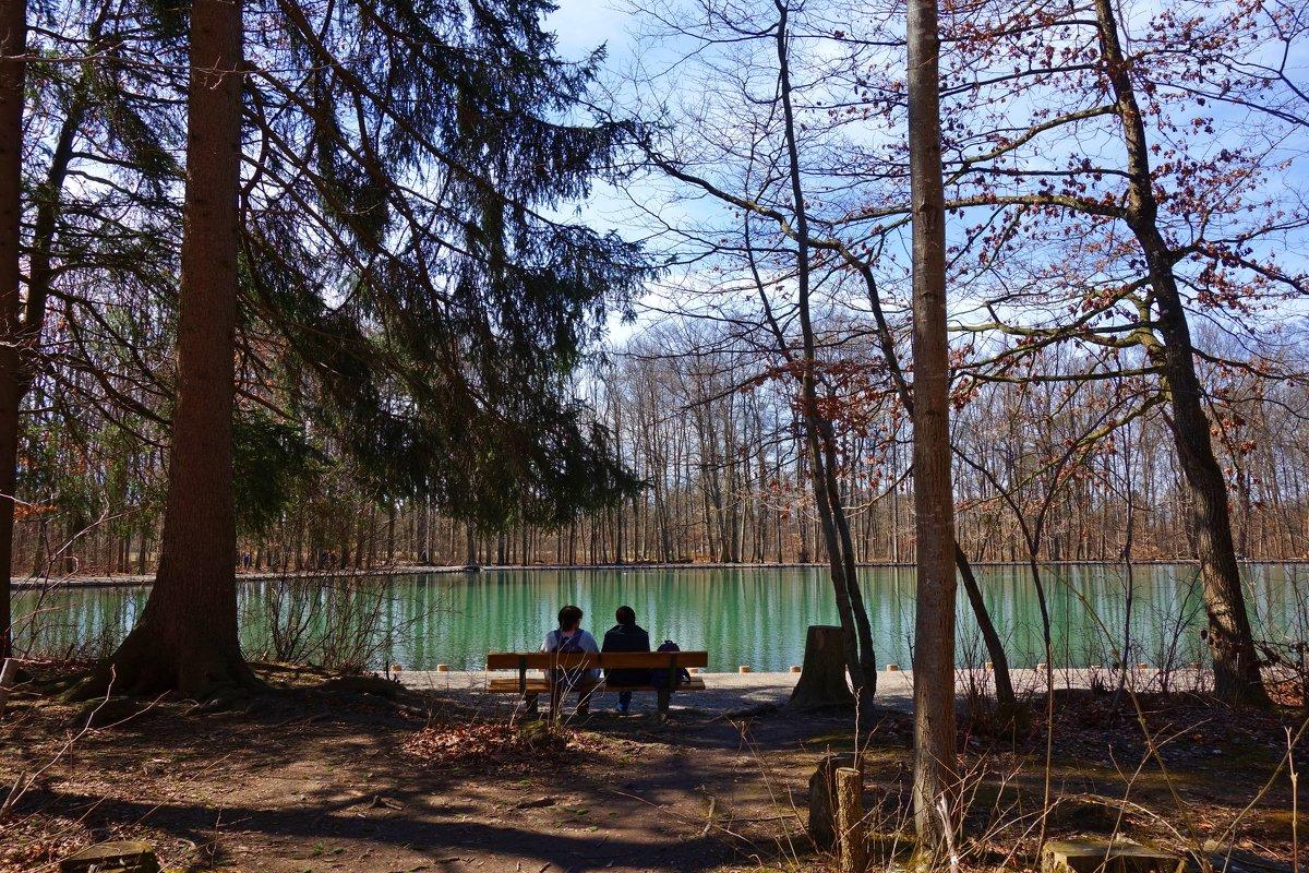 Апрельский денёк на одном из озер Аугсбурга... - Galina Dzubina