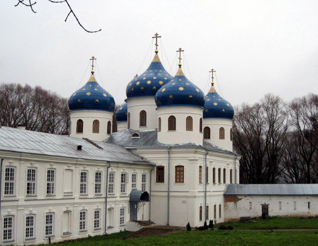 Крестовоздвиженский собор в Свято-Юрьев монастыре. Новгород. - Ирина ***