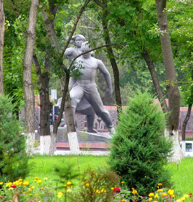 Монумент мужеству - Mir-Tash