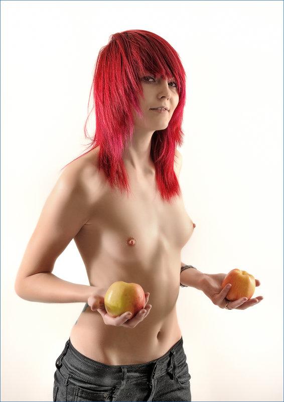 TopLess RedHead Nude with apples - high key - Антон Летов