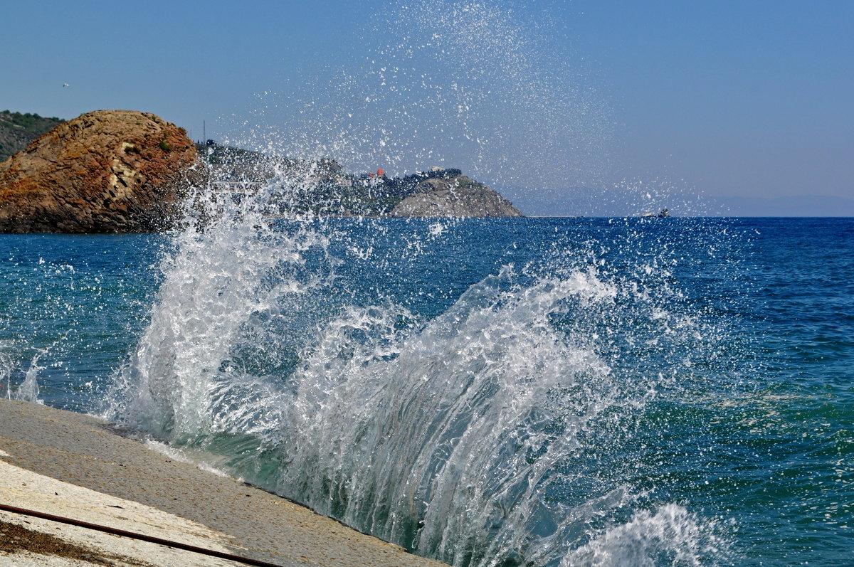 Морской прибой - Vladimir Lisunov