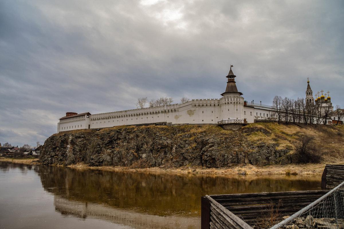 Кремль над р.Тура. - petyxov петухов