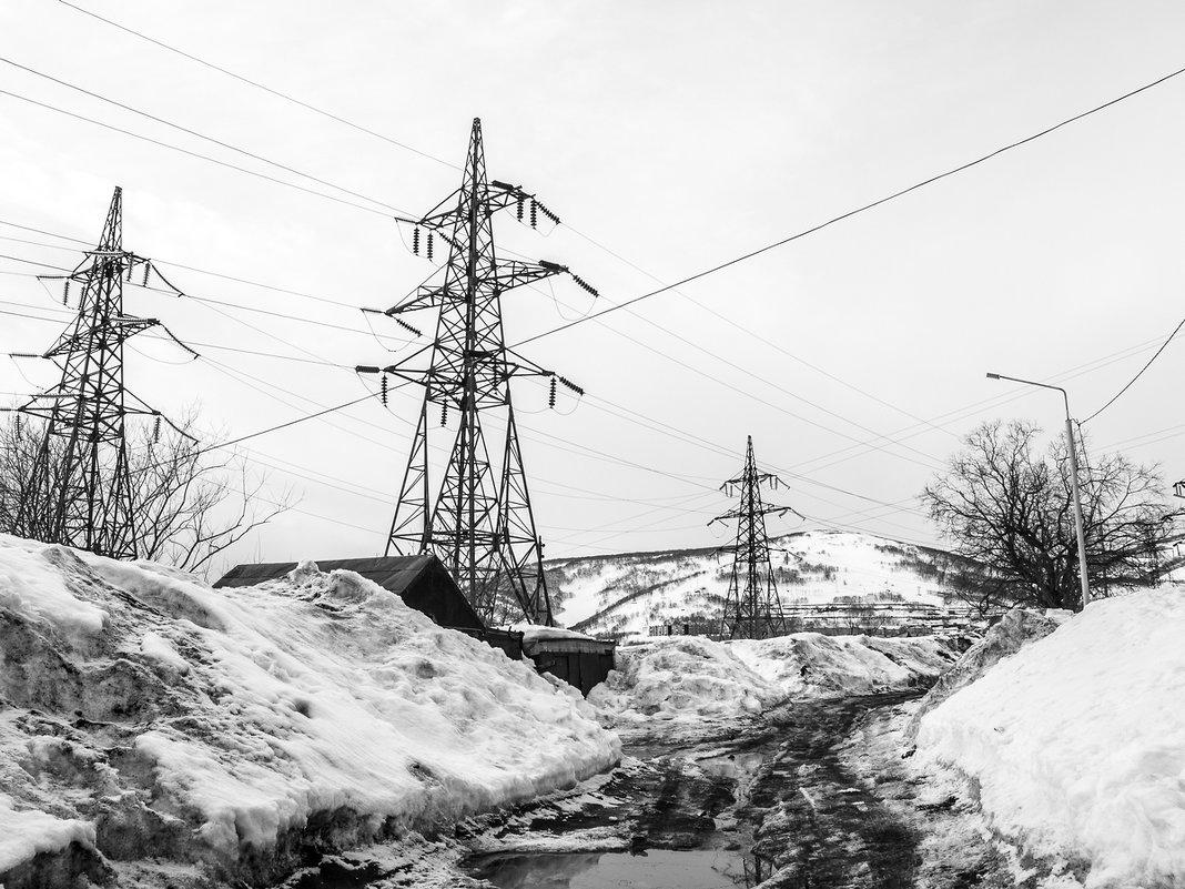 Линии электропередач в пейзаже - Елена Кириллова