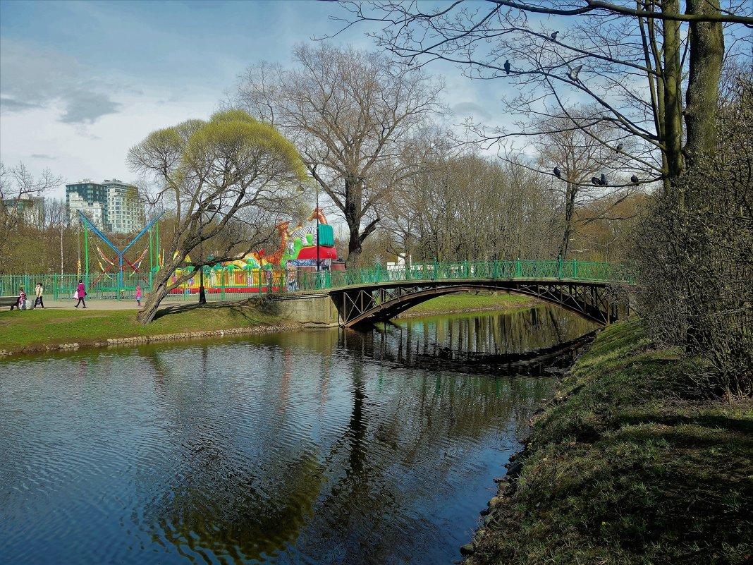 Весна над милым мостиком... - Sergey Gordoff