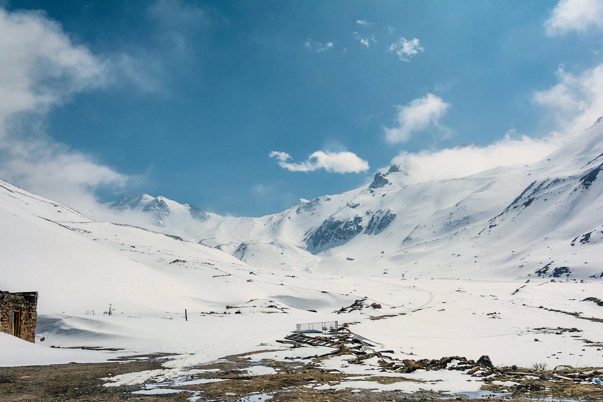 Весной в горах - Горный турист Иван Иванов