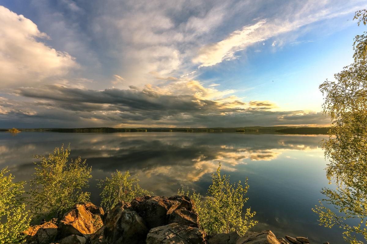отражаясь в озере - Василий И Иваненко
