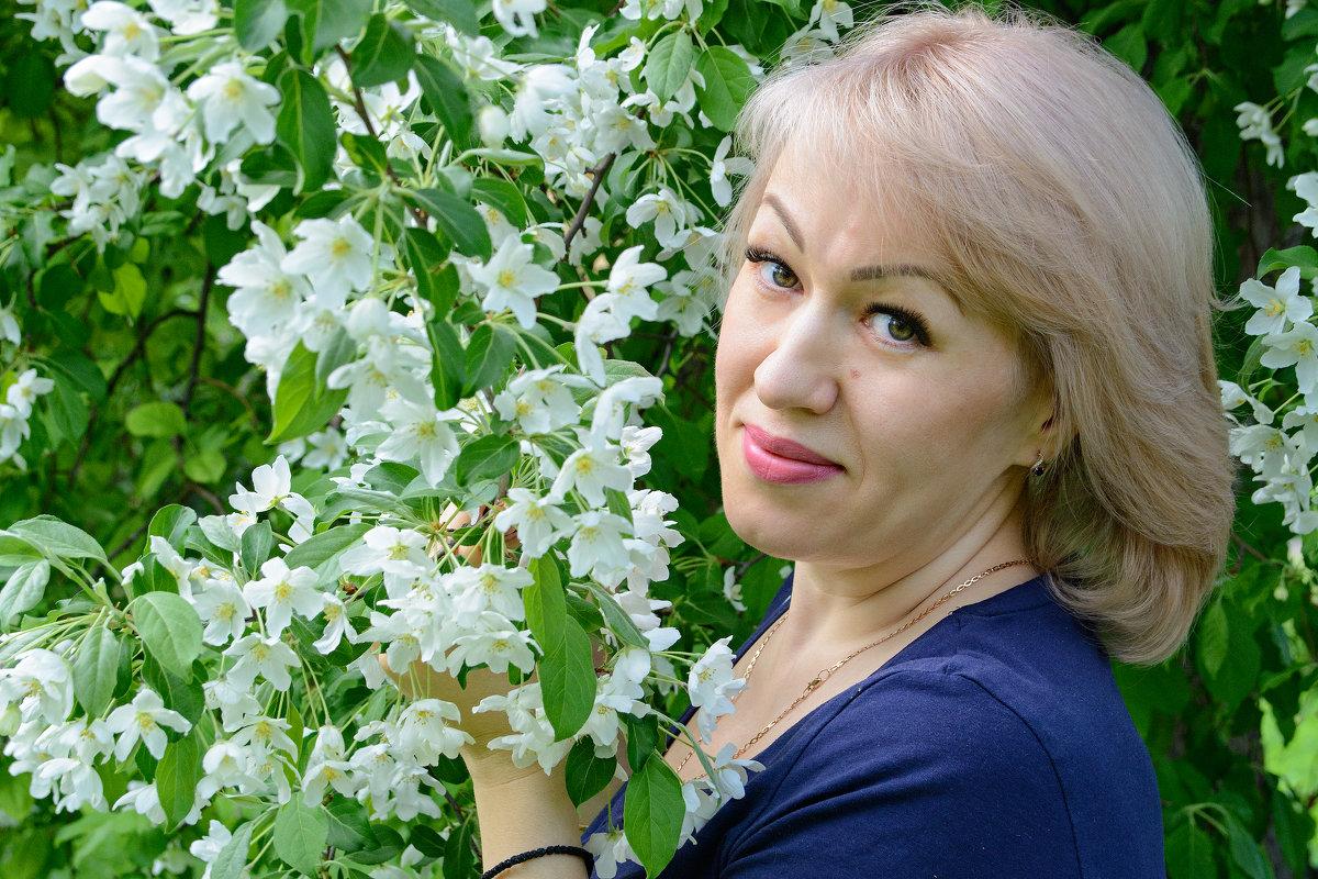 Пока яблоня в цвету - Инна Сперанская