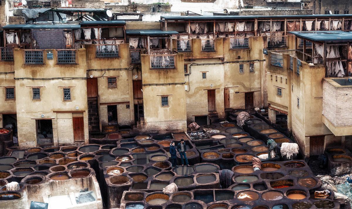Рабочие будни...Кожаные красильни города Фес...Марокко! - Александр Вивчарик