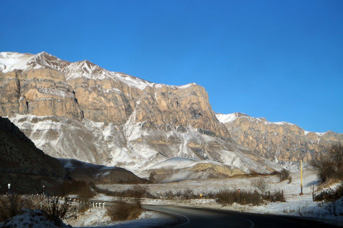 горный пейзаж - валентин яблонский