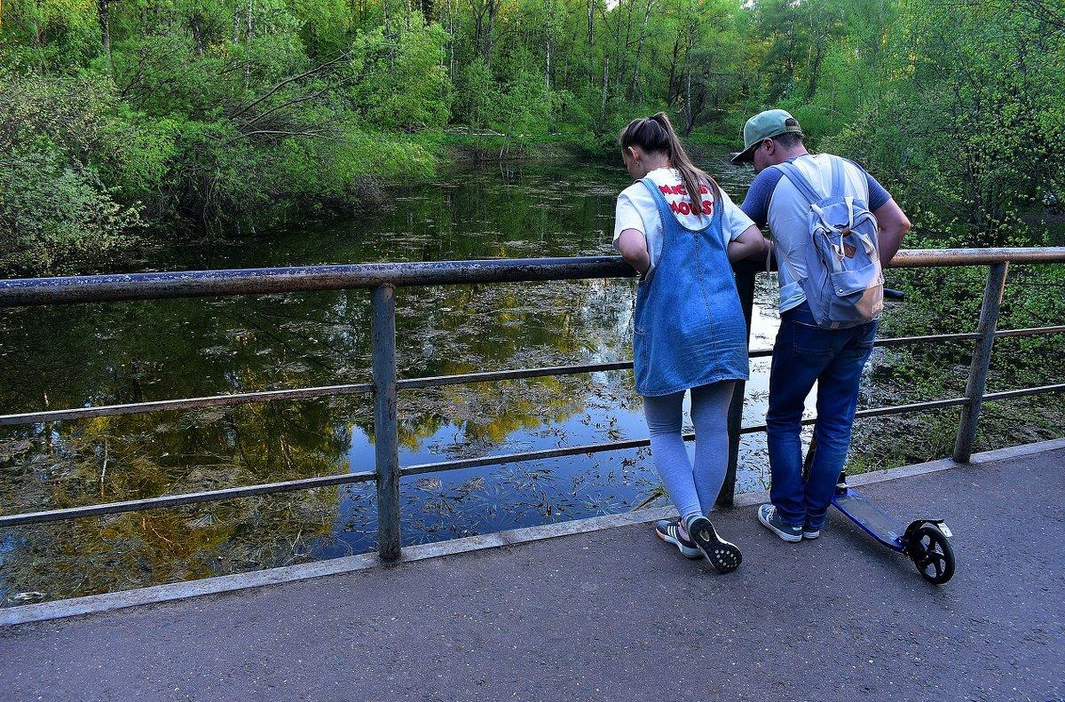 У озера - dindin