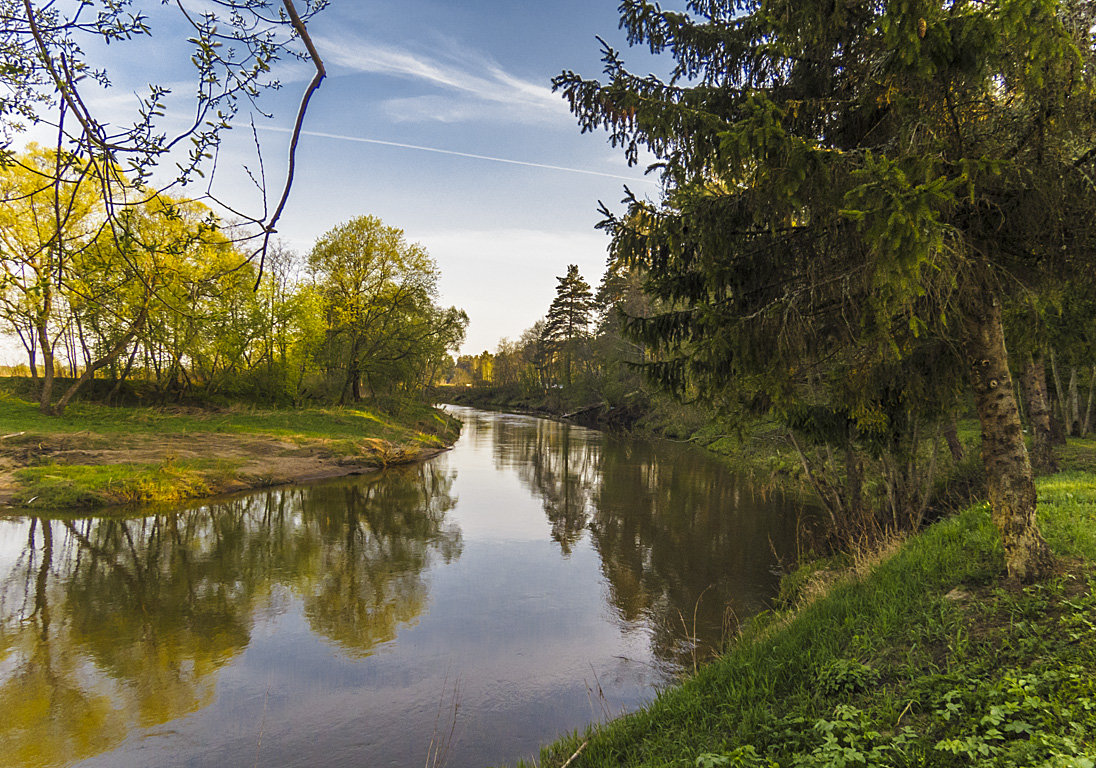 Река в мае - Сергей Цветков