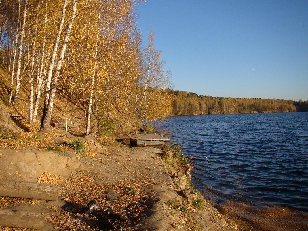 Осенью на озере - Татьяна Георгиевна
