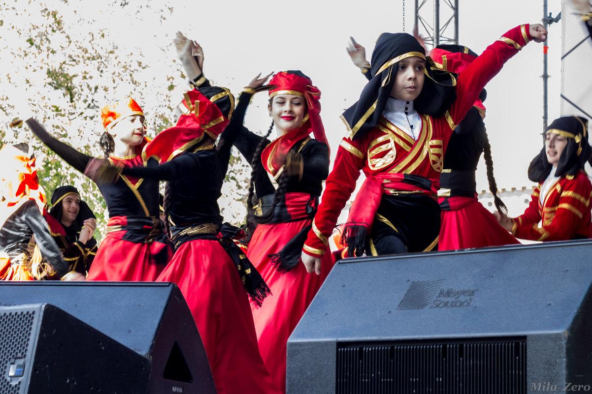 Танец - Людмила Волдыкова