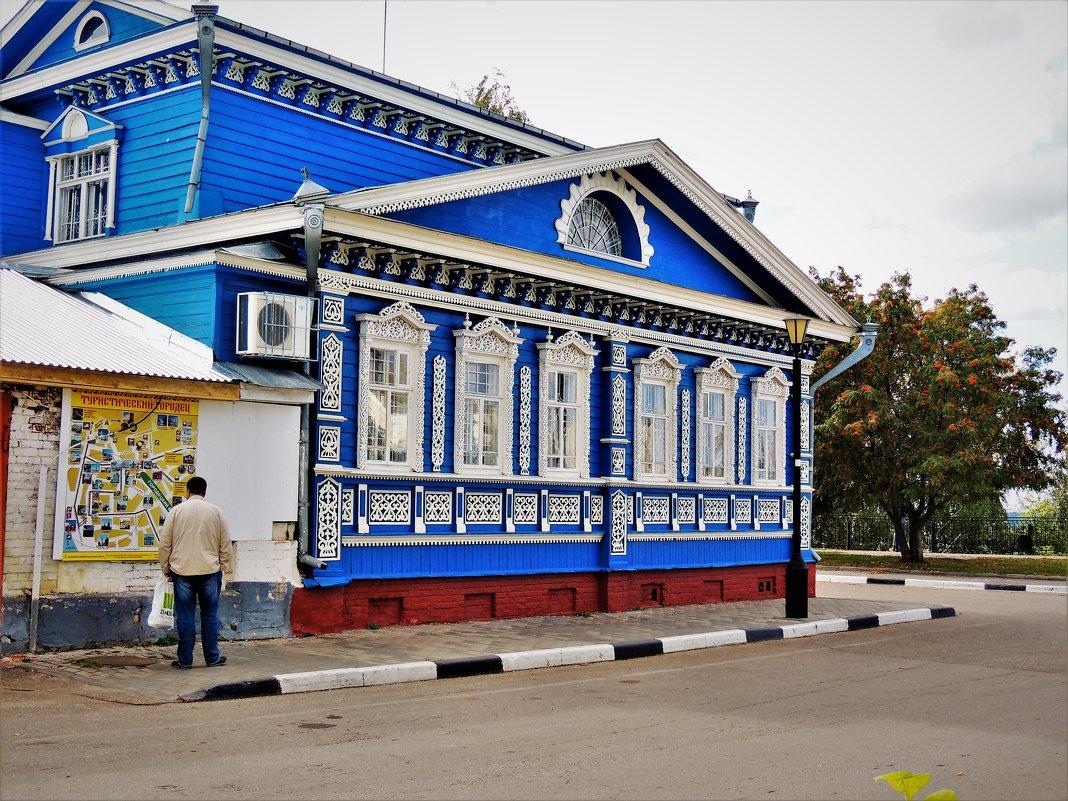 В кружевах и росписи дома... - Вячеслав Маслов
