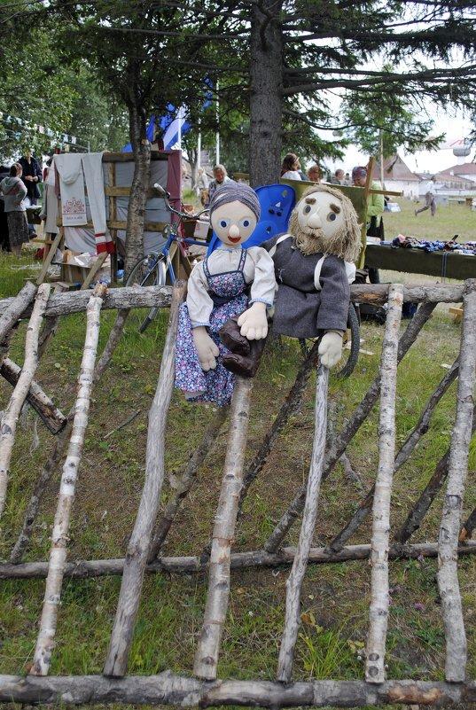Ярмарка у стен монастыря - Ольга