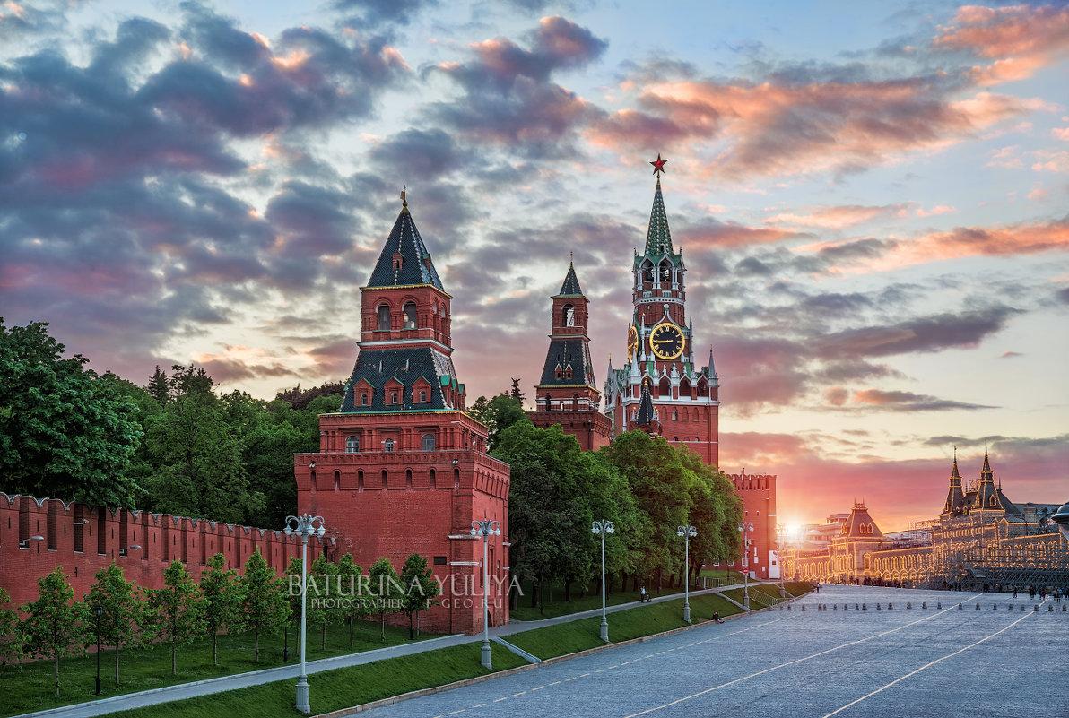 Башни Кремля на закате - Юлия Батурина