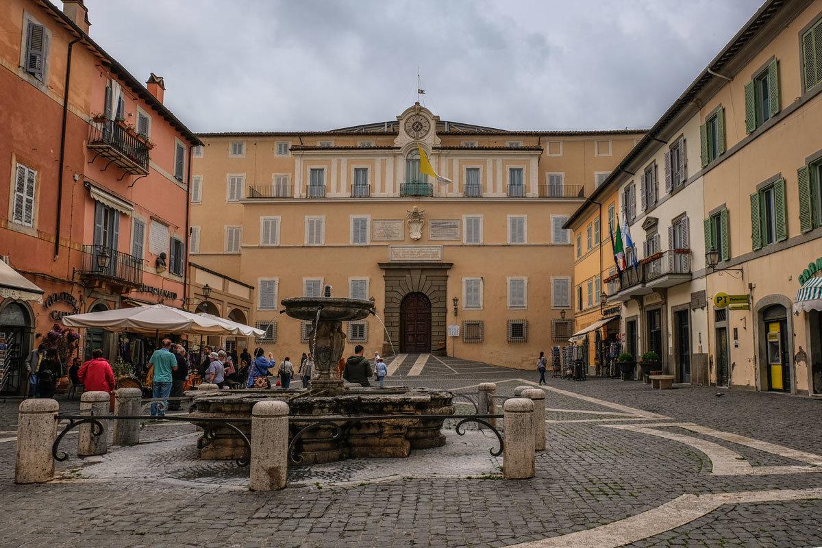 Картинки по запросу папский дворец гандольфо